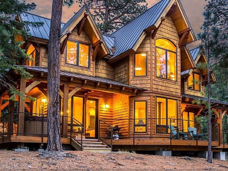 Romantic Luxury Cabin/Home, private hot tub on Tumalo Lake in Bend Oregon