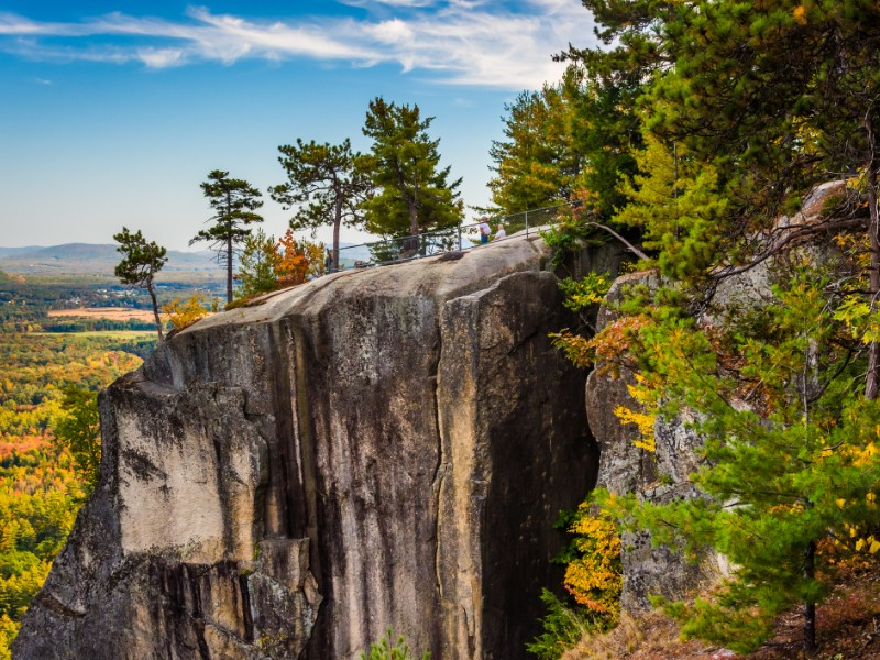 View of Cathedral Ledge at Echo Lake State Park