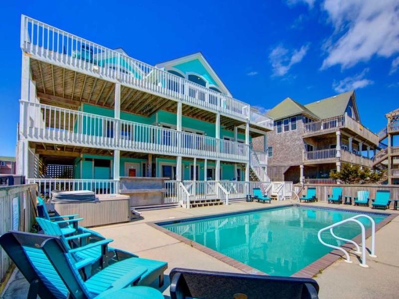 12 Bedroom Oceanfront Estate Pool