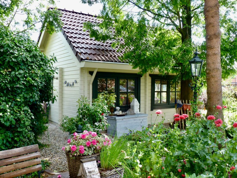 NATURAL & COSY COTTAGE, FIREPLACE, GARDEN