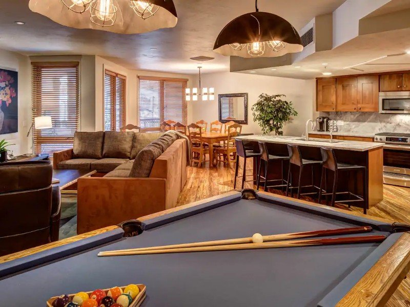3-Bedroom Ski-In/Out, Hot Tub, Pool Table