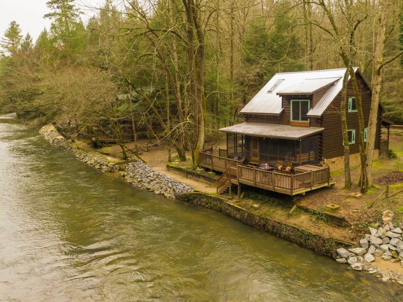 Cozy Cabin on Bank of the Cartecay