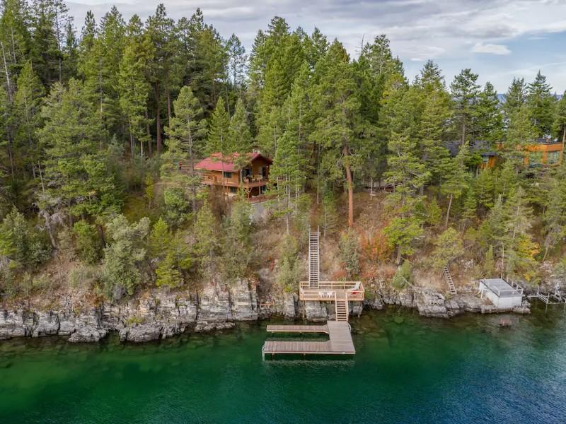 Beautiful Lakeside Retreat on Flathead Lake, Montana