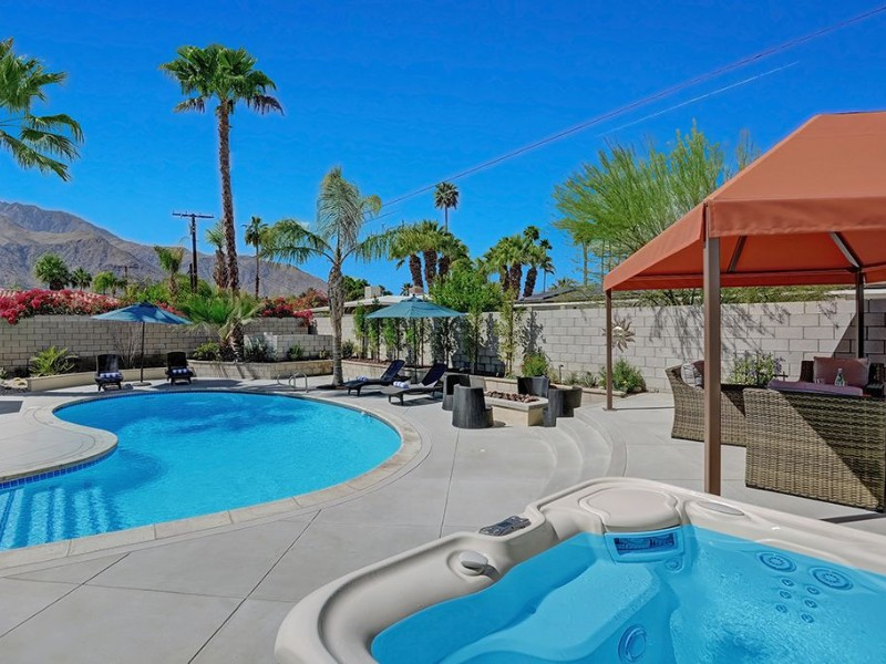 Pool at Contemporary 3bdrm/3ba in the Movie Colony East