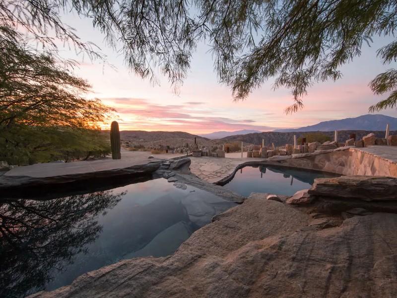 Luxurious Hilltop Villa