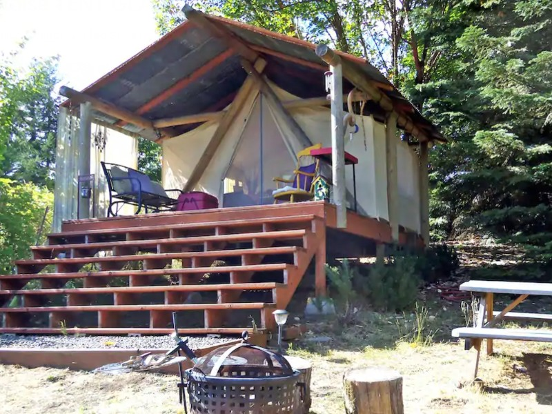 Mountain View Paradise Tent Glamping Goats and Wine, Cornelius, Oregon