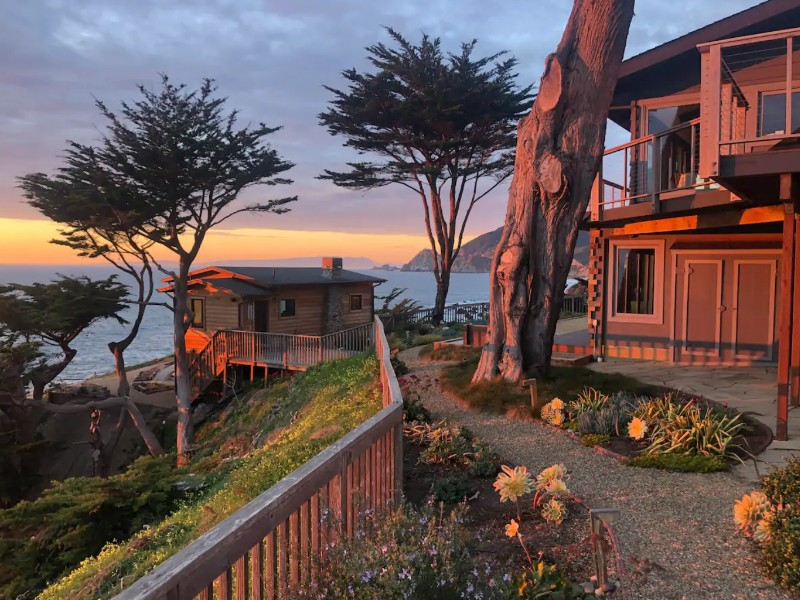 Sea Wolf Bungalow, Montara, California