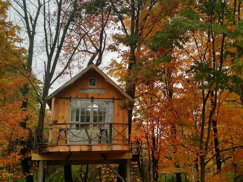 Whispering Winds Treehouse