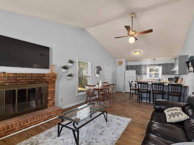 Great Jacksonville duplex on quiet cul-de-sac