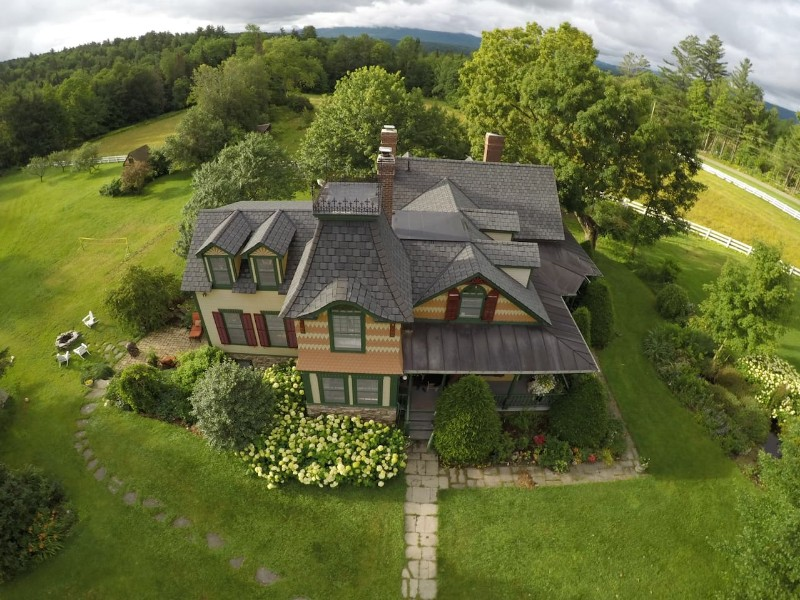 Authentic Farmhouse Close to Stowe