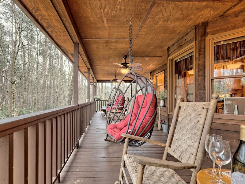 Cabin with Fire Pit, Hot Tub & Corn Hole