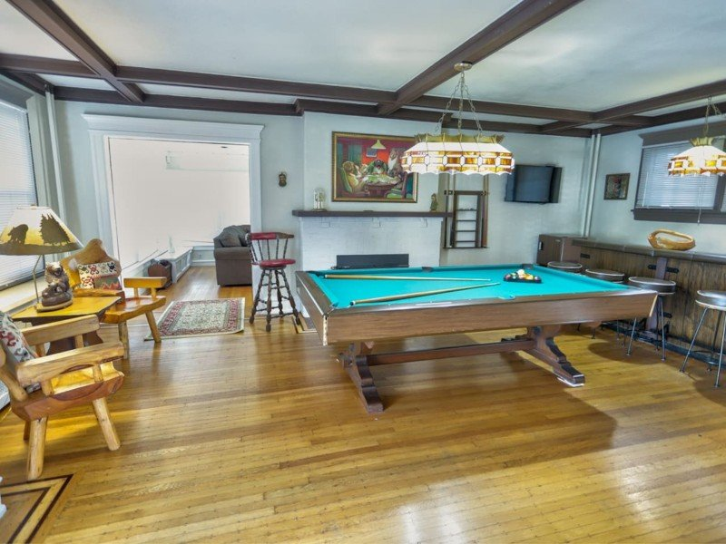 Pool Table at House Close to the Beach & AC Nightlife