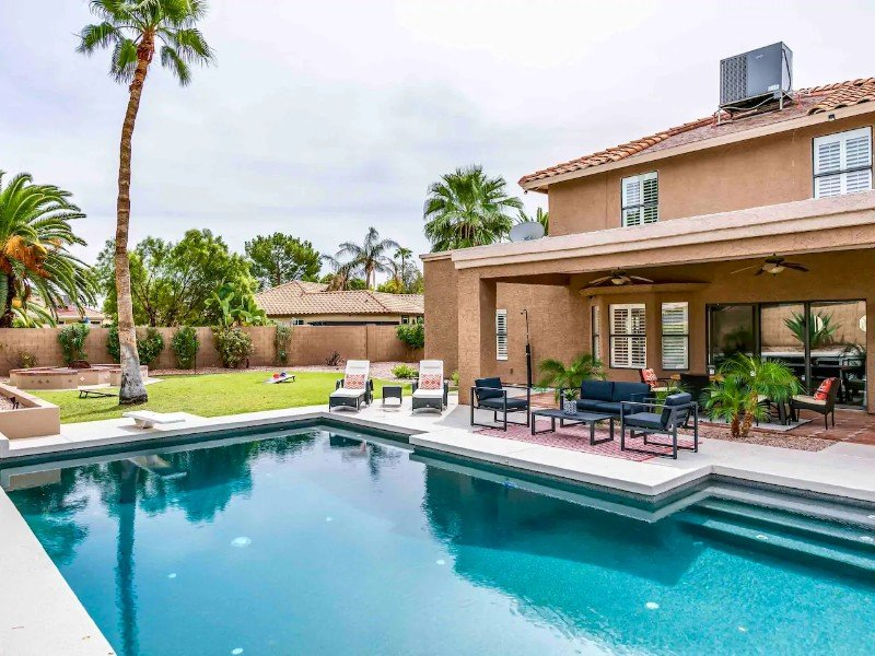 Huge Backyard with Heated Pool, Fire Pit, BBQ, & TV