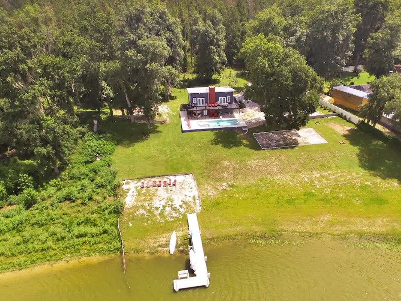 Lakehouse Getaway with Kayaking, Spa, Pool & Fire Pit