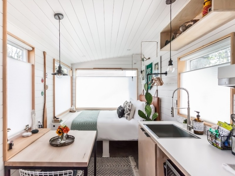 Modern Tiny House Retreat