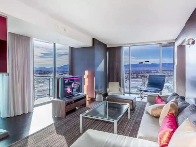 One Bedroom Palms Place Luxury Condo