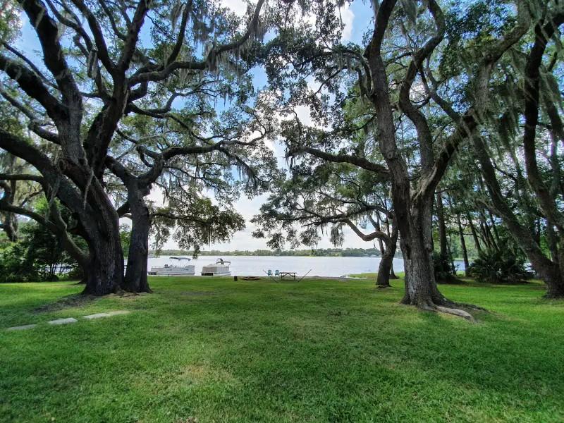 Relaxing Lake House Getaway on Private Lake