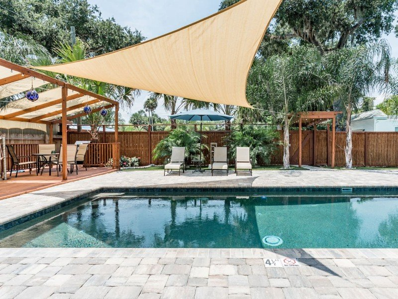 Remodeled Hideaway with Pool in Historic Downtown NSB