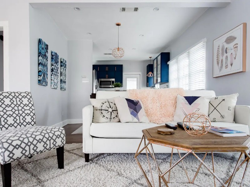 Trendy, Charming Bungalow in Knox-Henderson