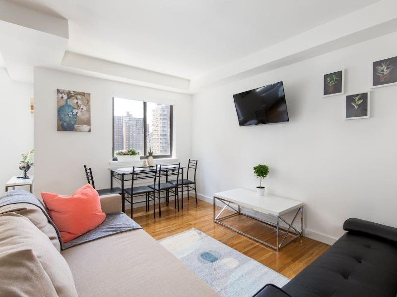 Great studio located in Penn Station
