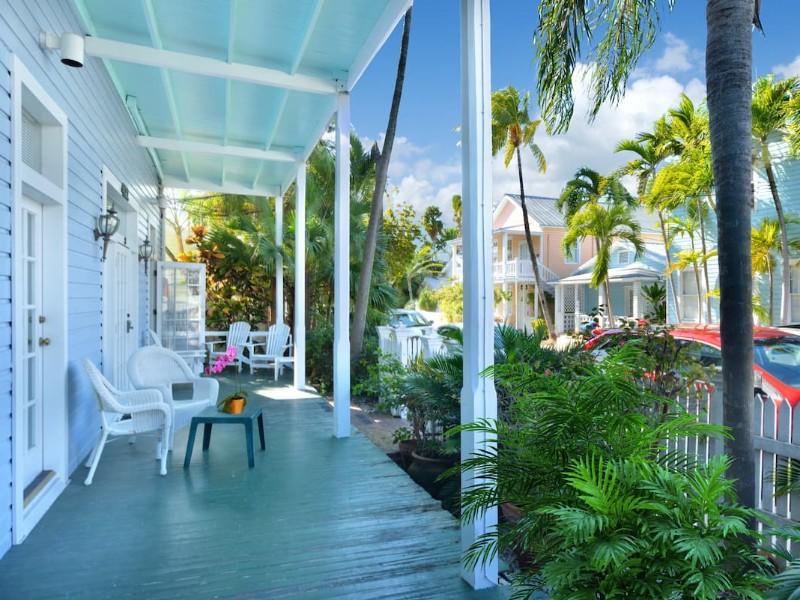 Bella Vita, 1 Bedroom Condo Steps From Duval – Key West