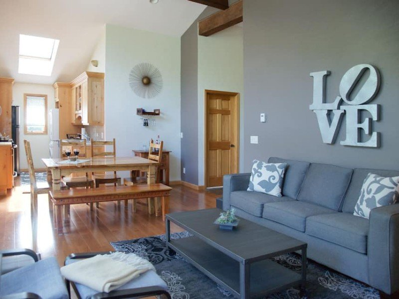 Bright and Cozy Penthouse Condo, Vail