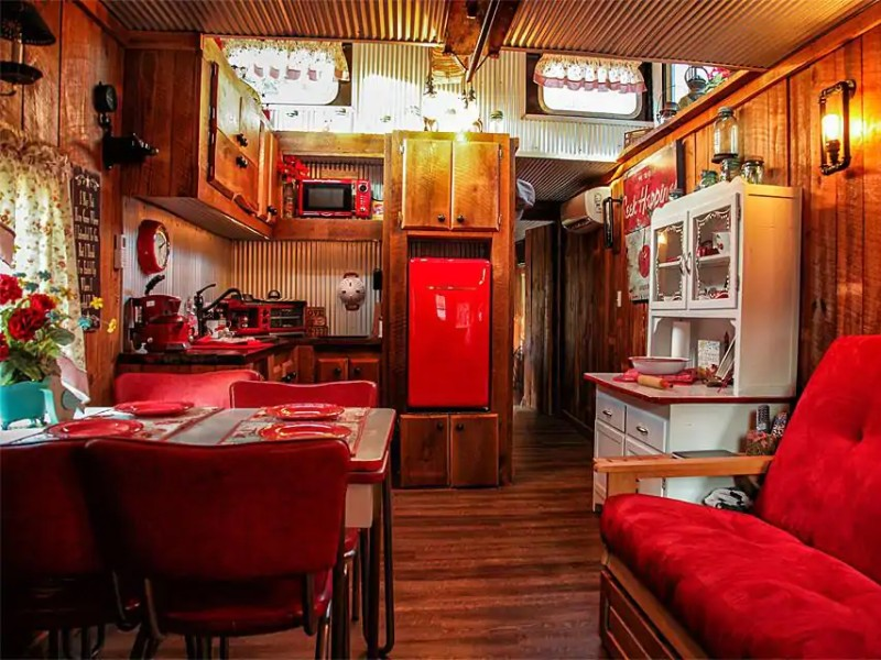 Cap's Caboose, 30 minutes from Cheaha State Park