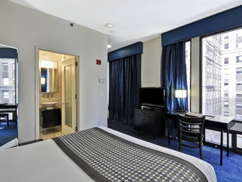 Dylan Hotel NYC - Luxury King Room