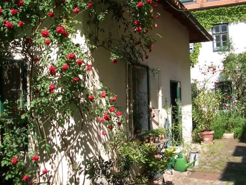 House in Quiet Courtyard