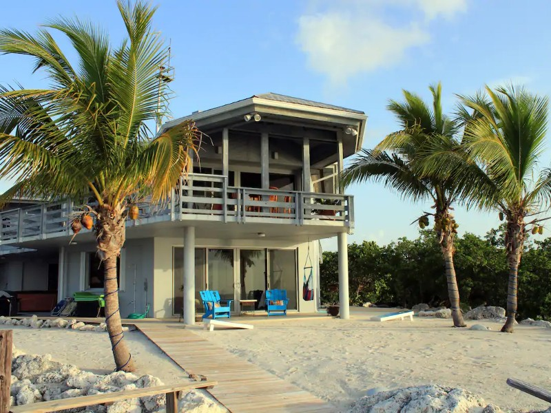 Private, Oceanfront Beach Property – Key Largo