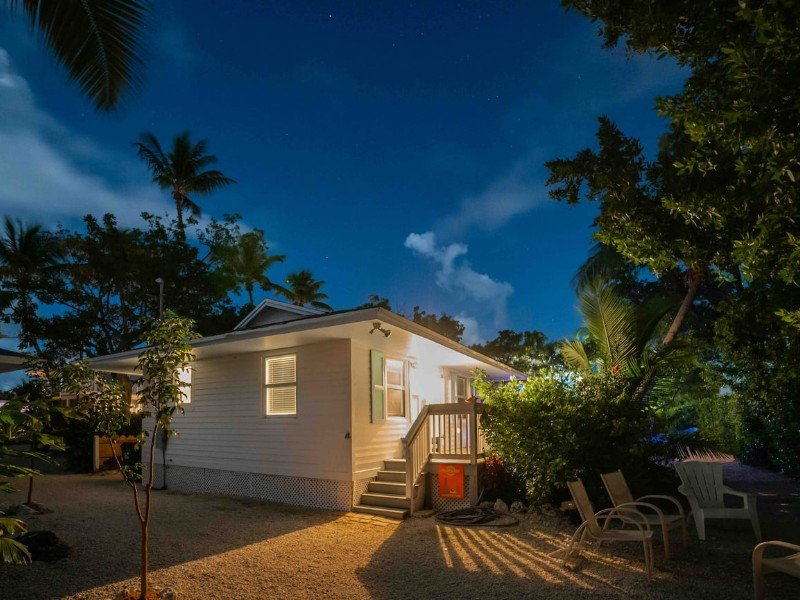 The Island Dog, 2 Bedroom Conch House – Islamorada