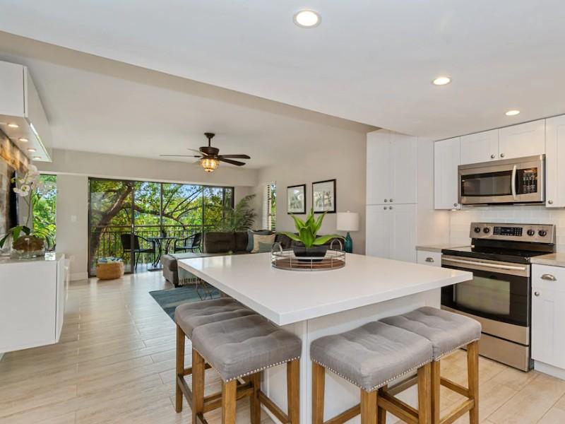 Upscale Villa with Marina, Pools, Saltwater Lagoon & Kayaks – Key Largo