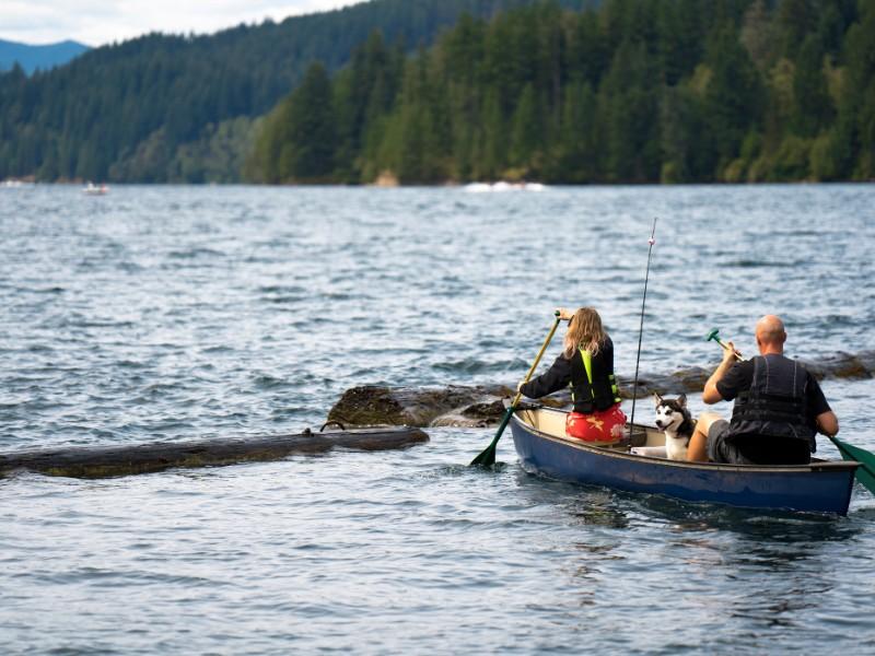 paddling on Lake Merwin, Washington