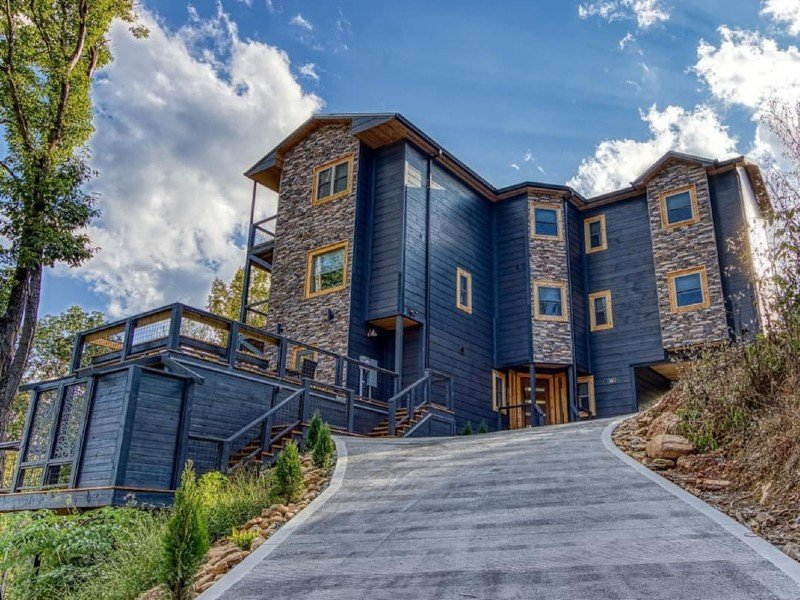 NEW-Luxury Cabin (spectacular view/accommodations)