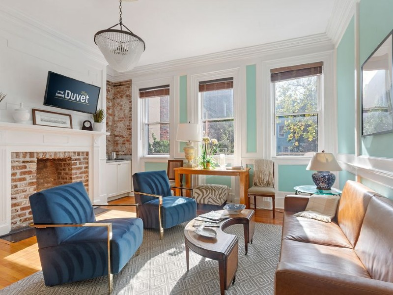 Honeydew (Historic Downtown) - Incredible Broad Street Location - Only 2 Blocks to Rainbow Row