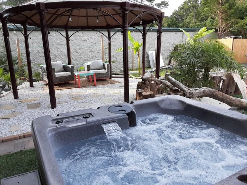 Hot Tub at Back Yard Cabin