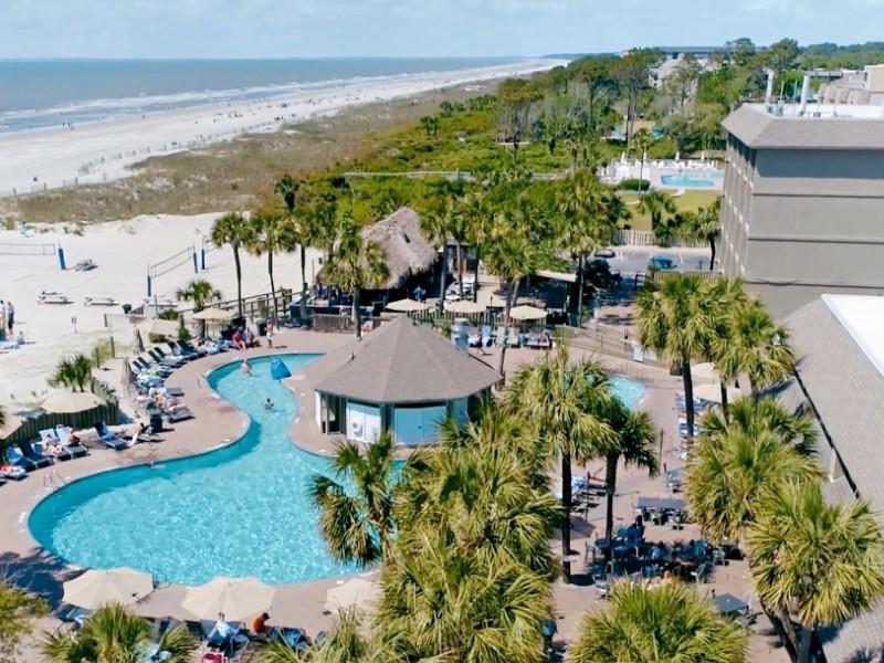 Beach House Holiday Inn Resort
