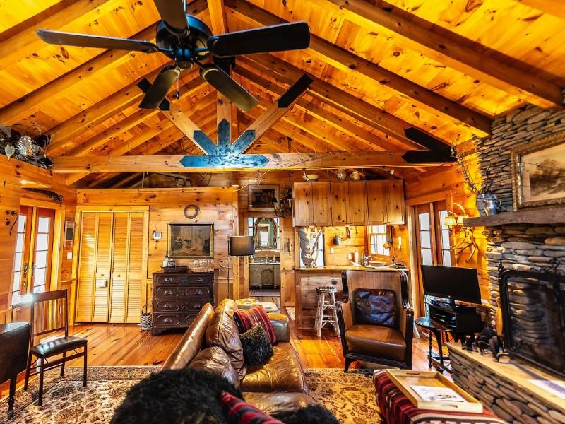 Enchanted Cottage Near Floyd