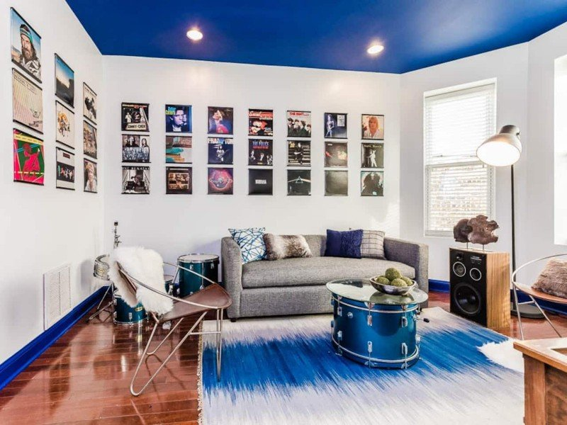 Hip Music Themed Apartment - Chicago, Illinois