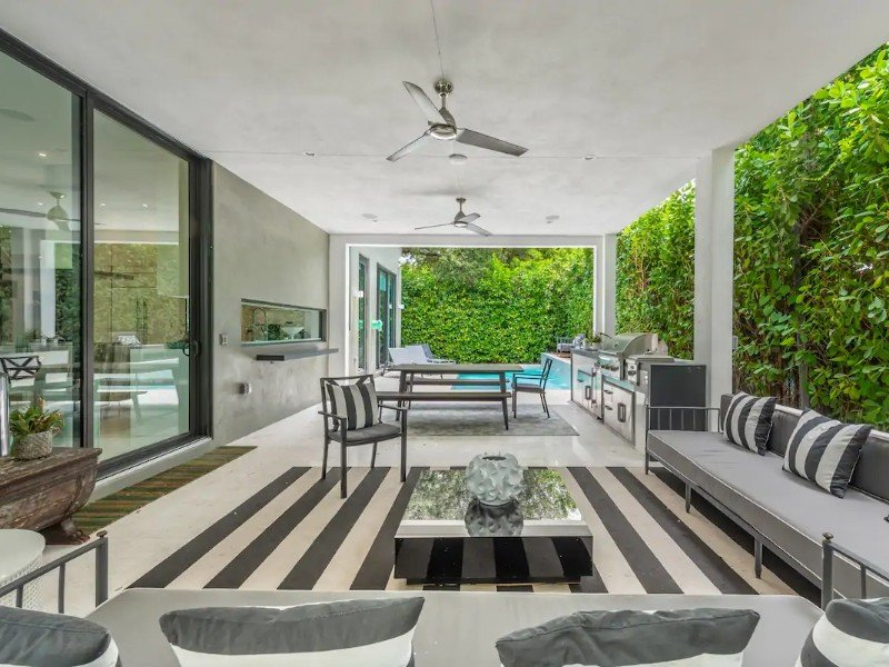 Luxe Villa for 10, Miami Design District with Pool
