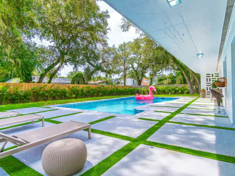 Luxury Sunny Daze Home