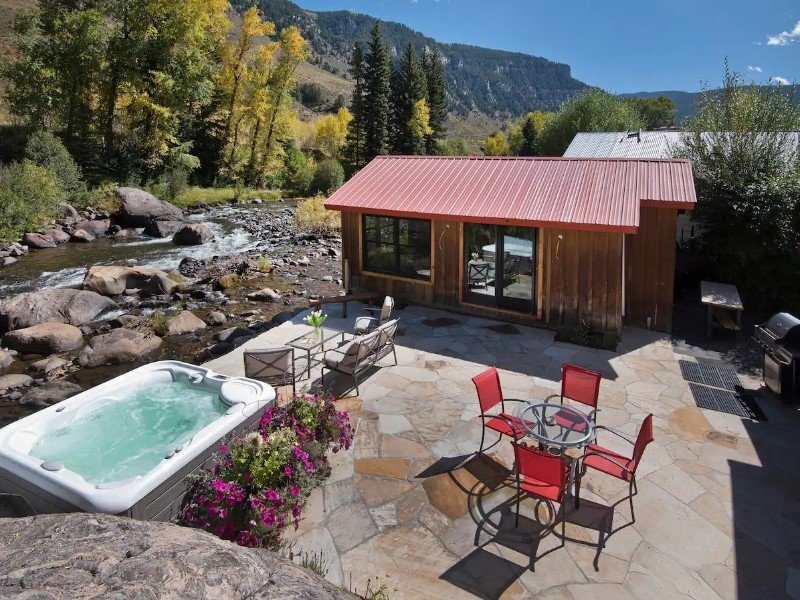 Minturn River Cabin with Hot Tub