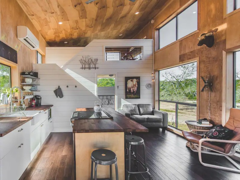 Modern Tiny Cabin in Dripping Springs