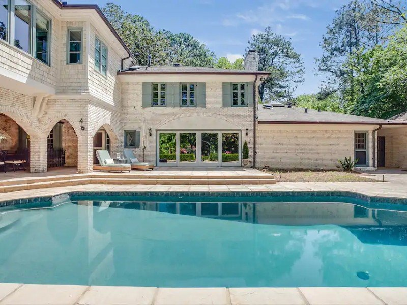 Pool at NW Buckhead 4 bed 3.5 bath w/ pool and new jacuzzi