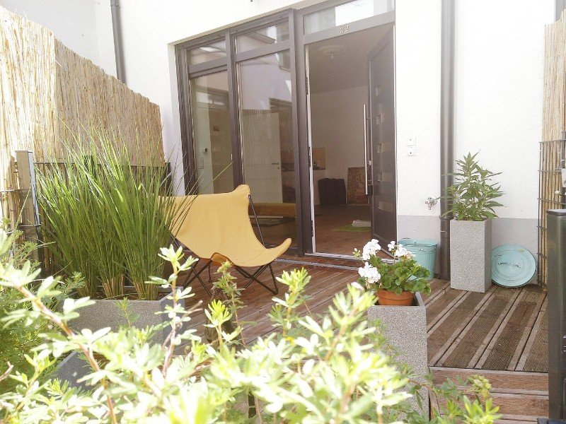 Quiet Townhouse with Terrace & Bike