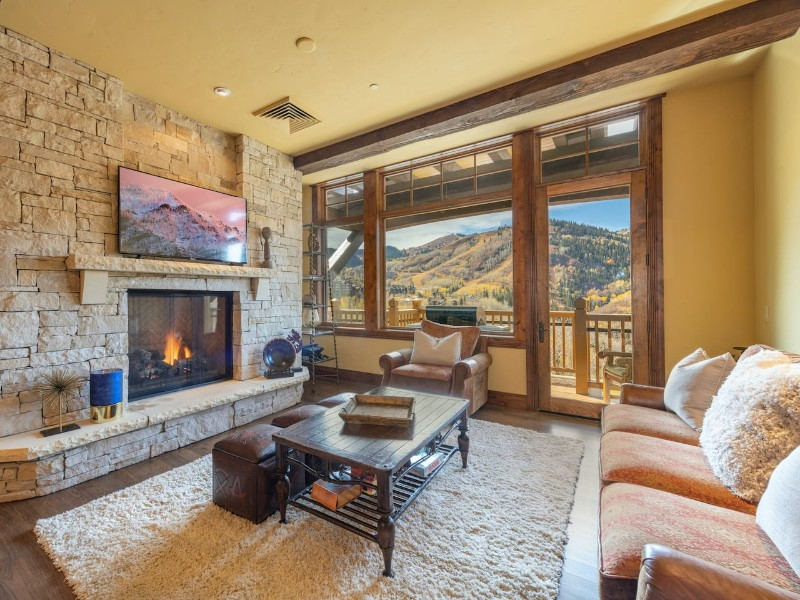 Ski-in/Ski-Out with Empire Canyon Views & Hot Tub - Park City