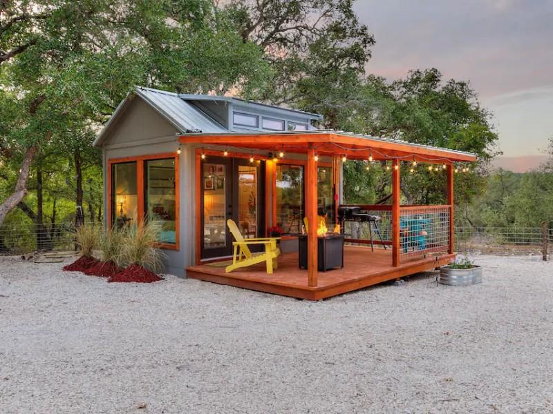 The Tiny Farmhouse: Hill Country Tiny Home Retreat - Hondo