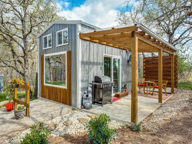 Tiny Harvest House, Near Ft. Worth - Weatherford