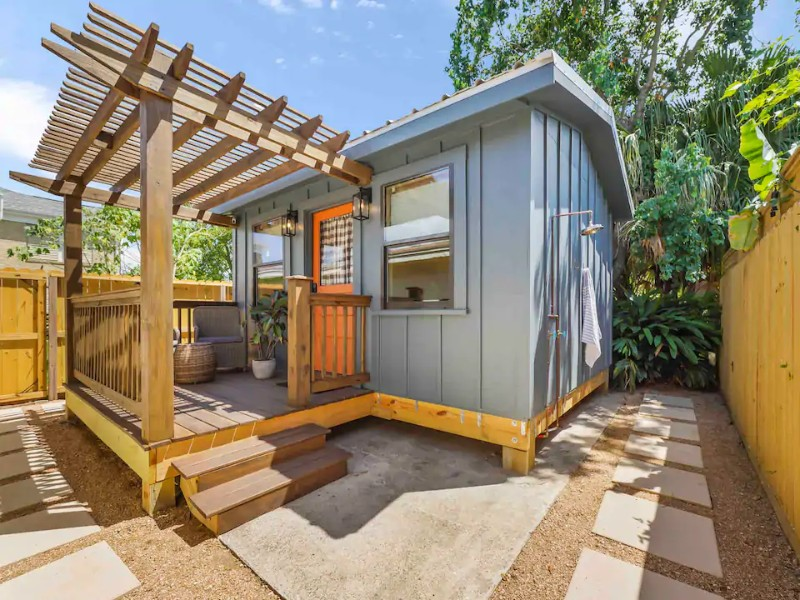 Tiny House with Free Breakfast in Galveston