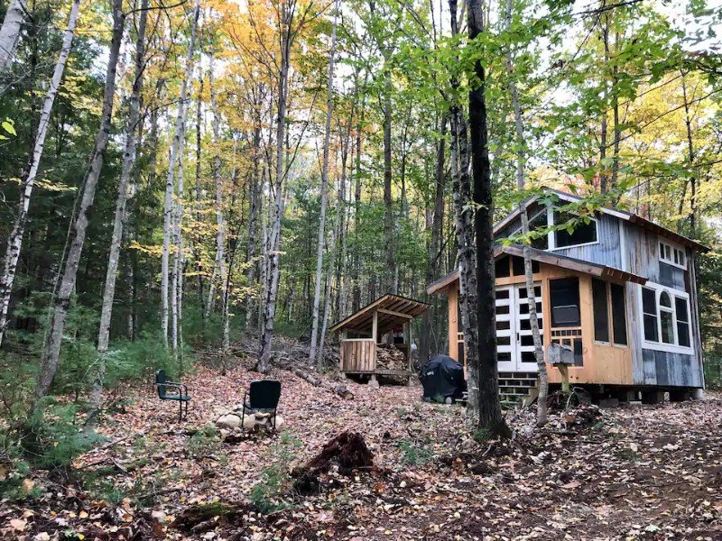 Wooded View - Two Cedar Tiny House